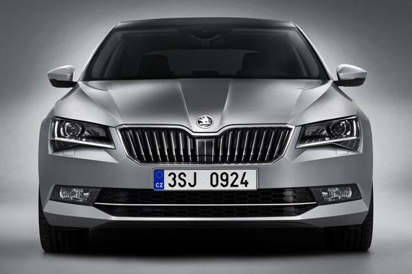 Autó és Stílus Online - Még nagyobb lett az új Škoda Superb fb802029f5